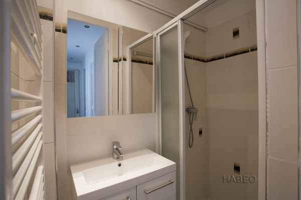 location temporaire meubl au trocad ro paris 16e habeo. Black Bedroom Furniture Sets. Home Design Ideas