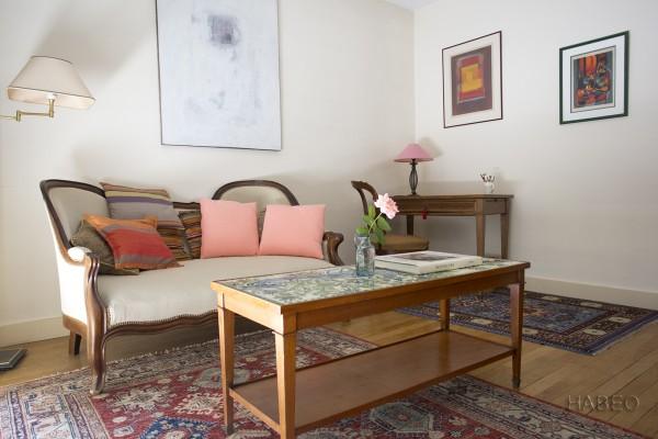 location temporaire t2 meubl lourmel paris 15e habeo. Black Bedroom Furniture Sets. Home Design Ideas