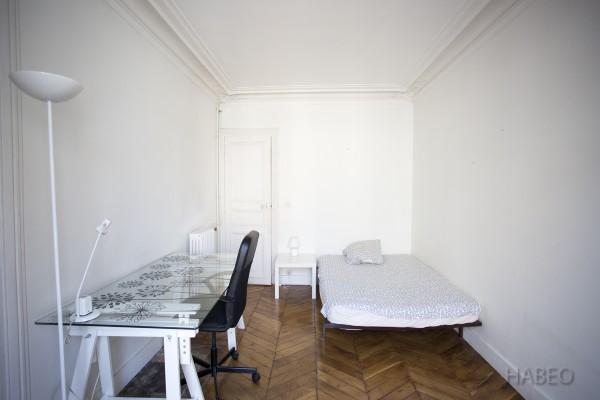 location temporaire t3 meubl la gare du nord paris 18e habeo. Black Bedroom Furniture Sets. Home Design Ideas