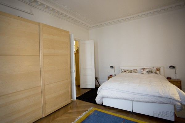 location temporaire t3 meubl la madeleine paris 8e habeo. Black Bedroom Furniture Sets. Home Design Ideas