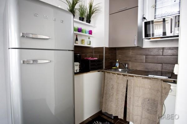 location temporaire t2 meubl place des vosges paris 4e habeo. Black Bedroom Furniture Sets. Home Design Ideas