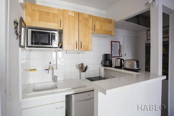 location temporaire t2 montmartre paris 18e habeo. Black Bedroom Furniture Sets. Home Design Ideas