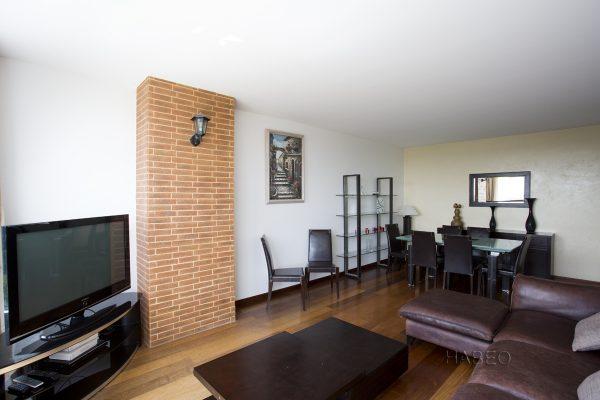 location temporaire 3 pi ces meubl la d fense habeo. Black Bedroom Furniture Sets. Home Design Ideas