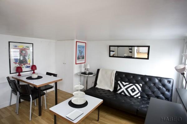 location temporaire t2 meubl dans le marais paris 3e. Black Bedroom Furniture Sets. Home Design Ideas